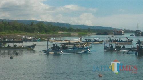 Suasana Mancing Mania Competition di Pantai Marina Boom Banyuwangi./Nurhadi /Banyuwangi,Jatim TIMES