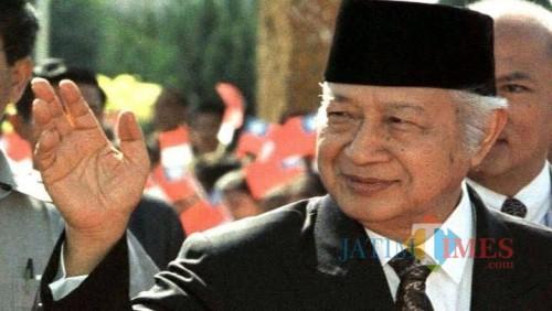 "Soeharto Presiden ke-2 Republik Indonesia yang mempunyai julukan ""The Smiling General"". (Foto: Istimewa)"