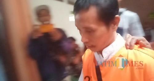 Sugeng Santoso saat akan menjalani persidangan (Anggara Sudiongko/MalangTIMES)