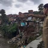 Tinjau Lokasi Longsor, Sutiaji: Bakal Ada Penataan Rumah di Bantaran Sungai