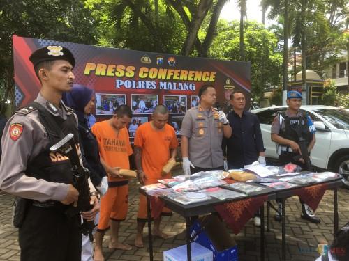 Terima Paketan dari Jasa Ekspedisi, Dua Anak Kost Diringkus Polisi
