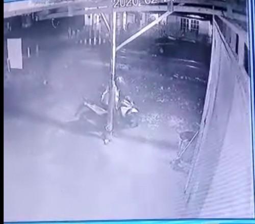 Tukang ojek online yang terekam CCTV saat melancarkan aksi pencurian (Foto : Istimewa)