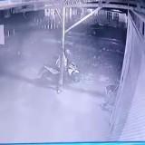 Terekam CCTV, Pengemudi Ojek Daring Diringkus Polisi karena Lakukan Ini