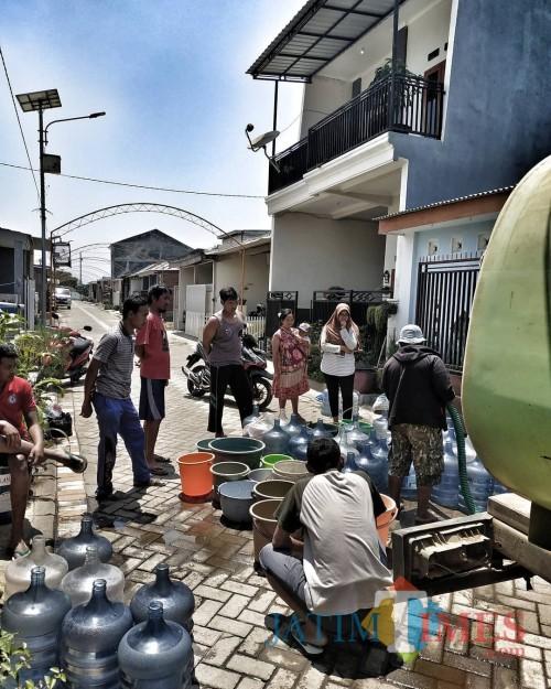 Cerita Perih Pelanggan PDAM yang Terpaksa Rebutan Air dengan Tetangga