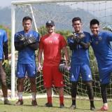 Kurniawan Kartika Ajie Tersisih dari Persaingan Kiper Arema FC