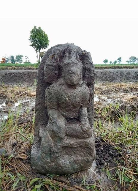 Situs yang Ditemukan di Desa Pendem Batu Ternyata Arca Siwa Trisirah