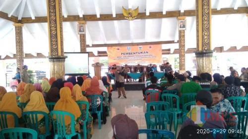Ratusan peserta saat menghadiri agenda Pembentukan Desa dan Kelurahan Tangguh Bencana yang difasilitasi oleh LPBI NU