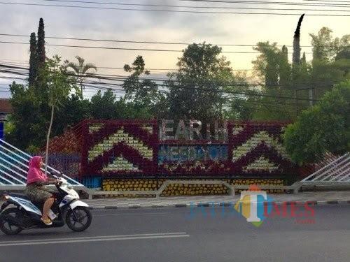 Vertical garden di Jalan Panglima Sudirman, Kecamatan Batu. (Foto: Irsya Richa/MalangTIMES)