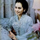 Kecantikan Dewi Soekarno Tak Lekang Dimakan Usia, Warganet: Sekilas Mirip Nikita Mirzani