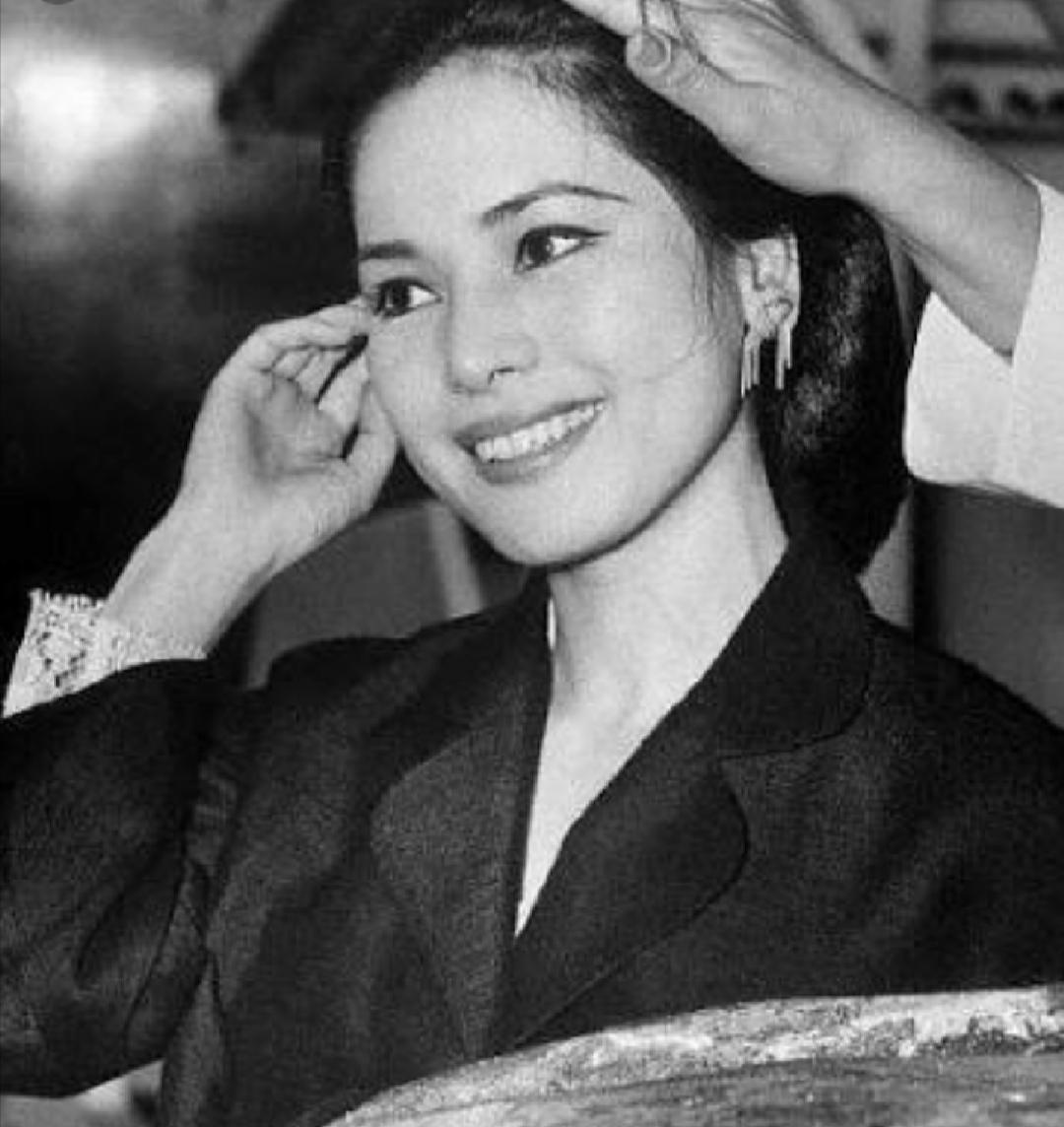 Kecantikan Dewi Soekarno Tak Lekang Dimakan Usia Warganet Sekilas Mirip Nikita Mirzani Jatim Times