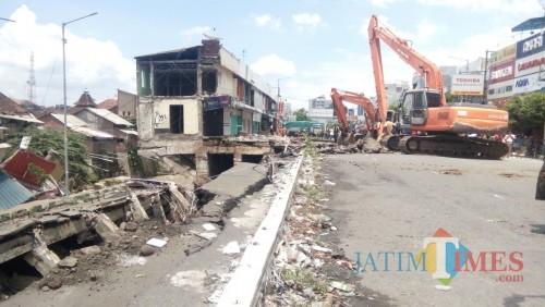 Pasca Jalan Ambles, Arus Lalin di Sultan Agung Ditutup