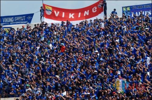 Ilustrasi suporter Viking saat menyaksikan Tim Persib Bandung bertanding (Foto : Istimewa)