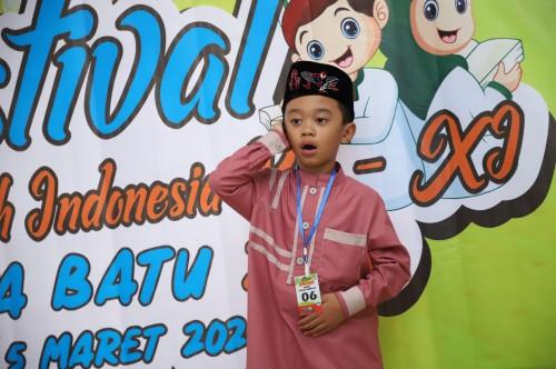 Salah satu peserta saat mengikuti Festival Anak Sholeh Kota Batu Kamis (5/3/2020). (Foto: Humas Pemkot Batu)