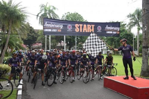 Wali Kota Kediri Mas Abu Sebut Lawan Corona Bisa dengan Bersepeda