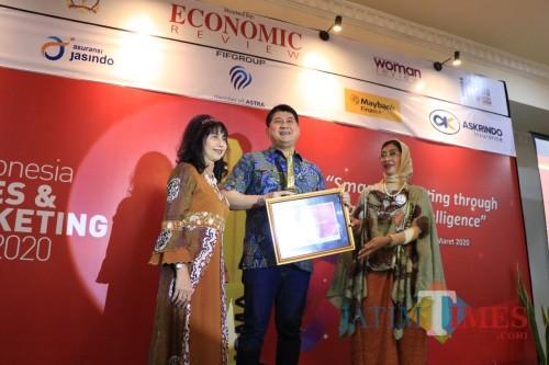 Penghargaan yang diterima FIFGROUP