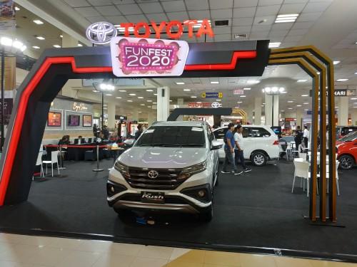 Toyota Rush yang dipajang di Matos dalam event Funfest 2020 (Hendra Saputra)