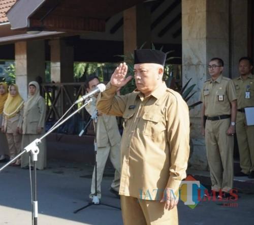 Bupati Malang Sanusi meminta masyarakat untuk memperbanyak shalawat Tibbil Qulub dalam suasana penyebaran Corona (Humas for MalangTimes)