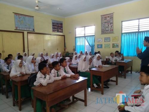 Waspada Corona, Siswa di Tulungagung Masih Masuk Sekolah