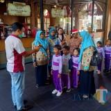 Cegah Corona, Wisatawan di Kampung Coklat Blitar di Screening