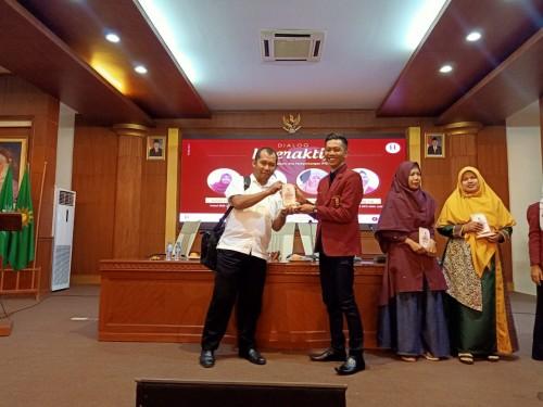 Ketua Umum DPP IMM Jawa Timur, Andreas Susanto (jas merah) saat menghadiri Diskuswati Jatim. (Foto: Dok. DPP IMM Jawa Timur)