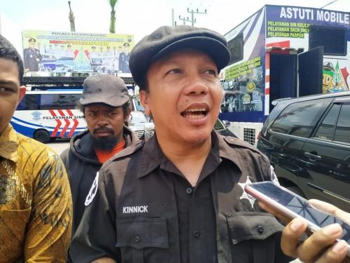 Doni Herdaru Tona ketua Animal Defenders Indonesia saat Di Polres Tulungagung / Foto : Anang Basso / Tulungagung TIMES