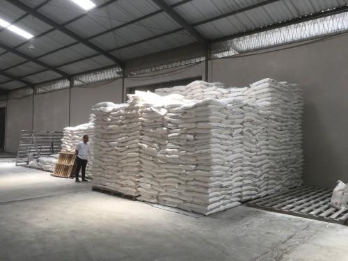 Stok gula pasir yang ada di salah satu gudang distribusi di Kabupaten Malang (Foto : Ashaq Lupito / MalangTIMES)
