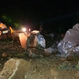 Tertimbun Material Tebing Setinggi 15 Meter, Akses Jalan Malang-Kediri Tertutup Longsor