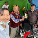 Buat Hand Sanitizer Sendiri, Anak Wali Kota Batu Berbagai kepada Pengguna Jalan