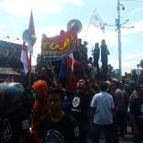 Ratusan Massa Aliansi Mahasiswa dan Buruh Jember Tolak Omnibus Law