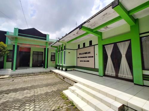 Kantor KUA Sukun yang Nampak Sepi dari kegiatan akad nikah (Anggara Sudiongko/MalangTIMES)