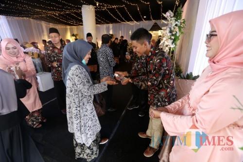 Pengusaha Kuliner Surabaya Mantu, Siagakan Dokter hingga Tebar Hand Sanitizer