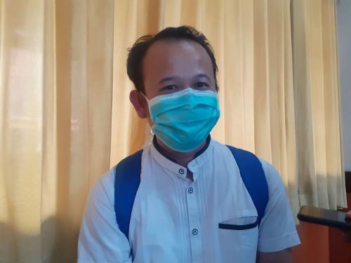 dr Ungky Agus Setiawan, saat berbagi pengalaman  menangani pasien Covid-19 di RSSA Kota Malang. (Arifina Cahyanti Firdausi/MalangTIMES).