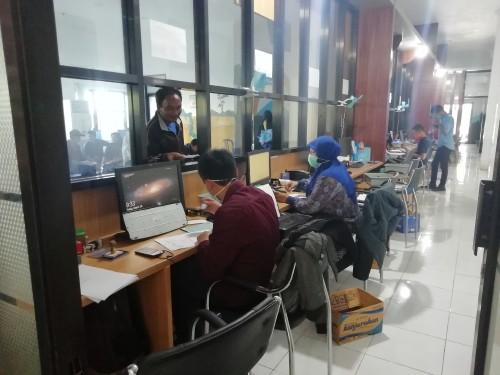 Layanan Si Paduka mampu memecah kerumunan warga yang mengurus Adminduk dan disambut bahagia 'generasi Rebahan' (dd nana)