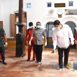 Tekan Penyebaran Covid 19, Pemkot Kediri Semprotkan Disinfektan di Tempat Ibadah