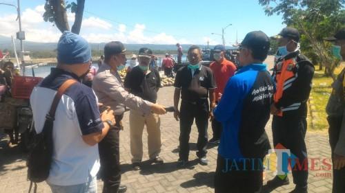 Satgas Covid 19 Sidak di Pelabuhan Rakyat Pantai Boom Banyuwangi Nurhadi Banyuwangi Jatim TIMES