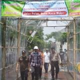 Takut Covid-19, Warga PJP 2 Tulungagung Buat Lorong Disinfektan Secara Swadaya