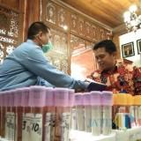 Bupati dan Anggota Satgas Penanggulangan Covid-19 Tulungagung Lakukan Tes Darah