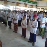Ratusan Santri di Jombang Salat Gaib Untuk Ibunda Jokowi Dengan Tetap Taati Protokol Kesehatan