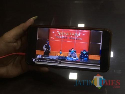 Minimalisir Kehadiran Wartawan Guna Tangkal Corona, Polres Malang Gelar Rilis Melalui Live Medsos