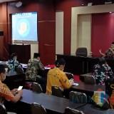 Rapat Teleconference dengan Gubernur, Bupati Blitar Tingkatkan Pencegahan Covid-19