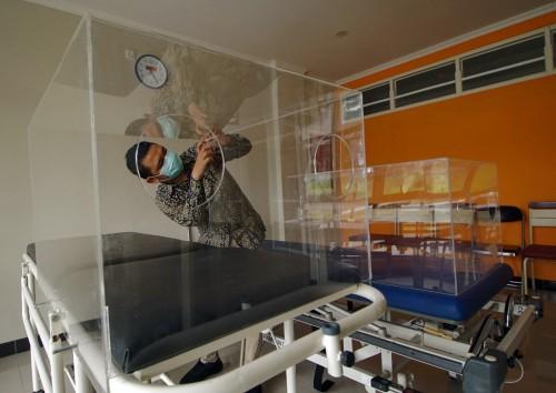 Safety Chamber, Inovasi Terbaru untuk Jaga Keselamatan Tenaga Medis dari Virus Corona