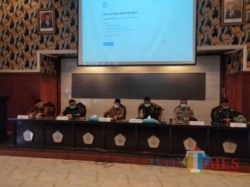 Rapat koordinasi Pemerintah Kota Malang bersama Forkopimda dan FKUB Kota Malang (Pipit Anggraeni/MalangTIMES).