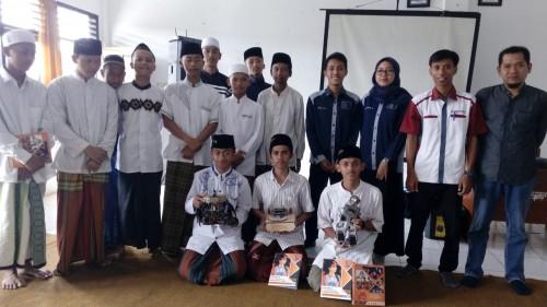 Sharing Ilmu dan Pengenalan Kampus, Prodi TI Unikama Lakukan Workshop Robotik di SMK An Nur Bululawang
