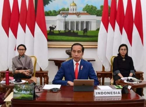 Presiden Joko Widodo meneken Perppu Kebijakan Keuangan Negara dan Stabilitas Sistem Keuangan untuk penanganan virus corona. (@jokowi)