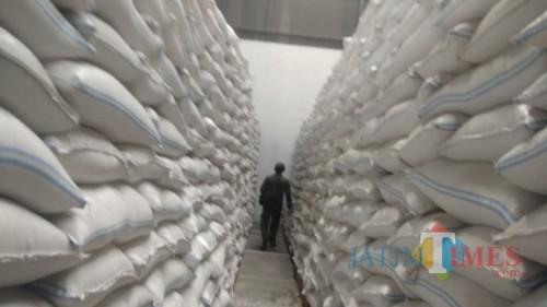 Stok beras di Bulog Subdivre Malang, Jawa Timur. (Arifina Cahyanti Firdausi/MalangTIMES)