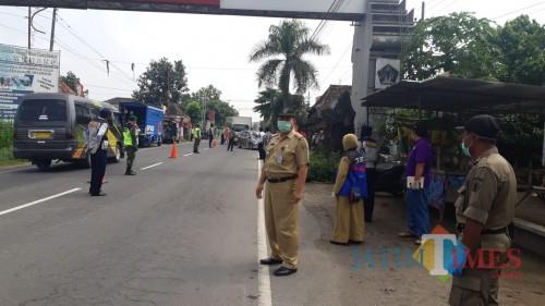 Waspada Penyebaran Covid-19, Pemkab Blitar dan TNI-Polri Gelar Operasi Gabungan di Perbatasan Blitar-Kediri