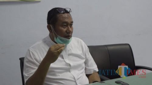 Urai Antrean Cuci Tangan di Checkpoint Durenan, Komisi IV DPRD Trenggalek Patungan Beli Wastafel