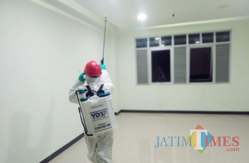 Tim Satgas Covid-19 YDSF lakukan penyemprotan disinfektan di Ponpes Az Zikra Situbondo