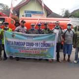 Lawan Virus, Relawan Desa Tanggap Covid-19 Desa Betak Semprotkan Disinfektan