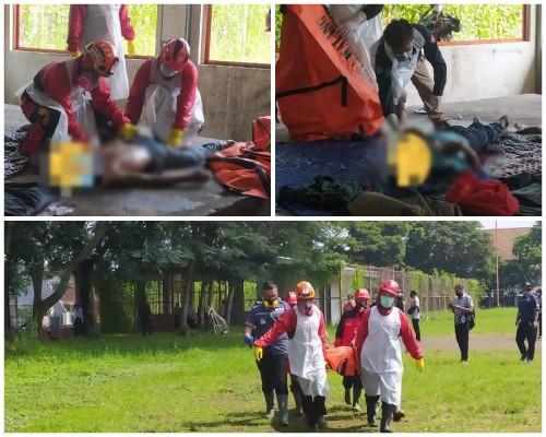 Dua korban tewas di kawasan lapangan Sampo tengah dievakuasi tim relawan. (Ist)